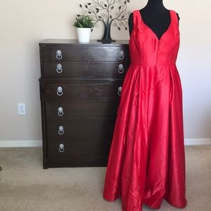 Windsor Red Satin Evening/Prom Dress